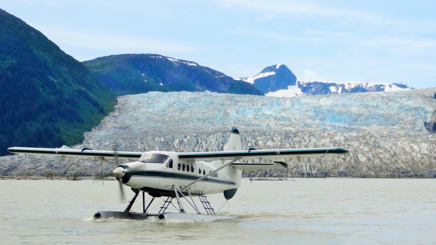 Wasserflugzeug im JuneauEisfeld