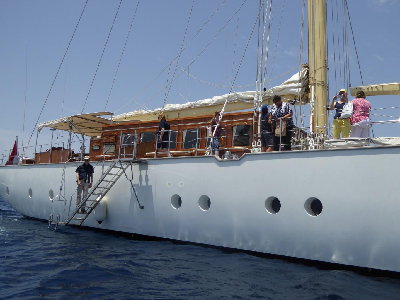 Die klassische Segel-Yacht Chronos im MIttelmeet