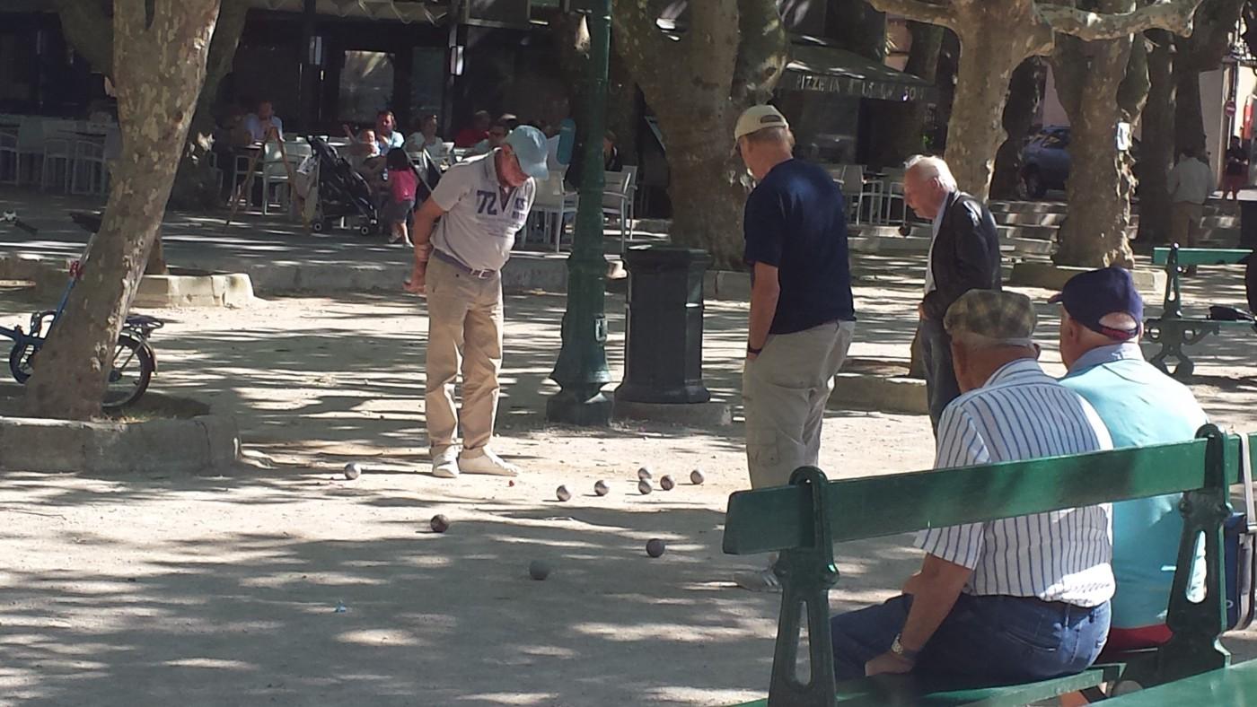 Petanque- Spieler auf dem Places des Lices, St. Tropez