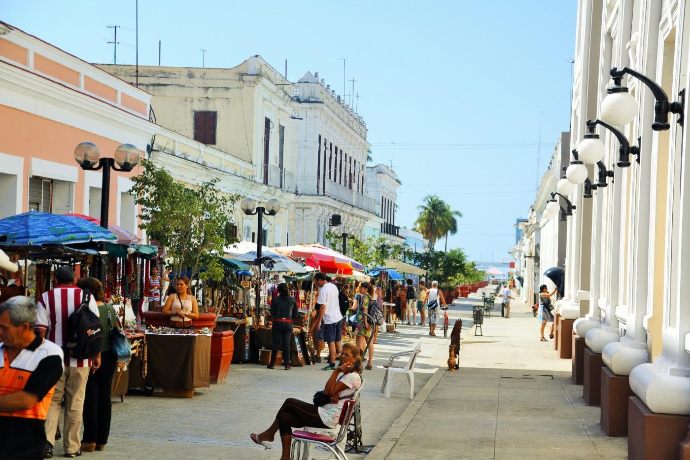 """Der """"Boulevard"""", die Flanier-Fußgängerzone von Cienfuegos"""