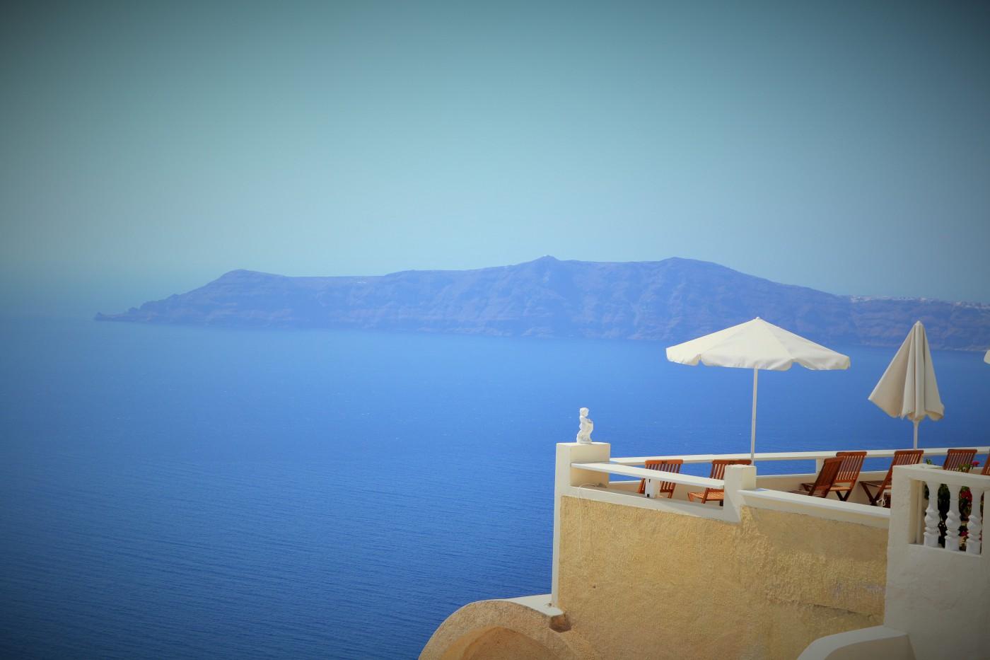 Santorini Caldera Copyright S. Schaeffer