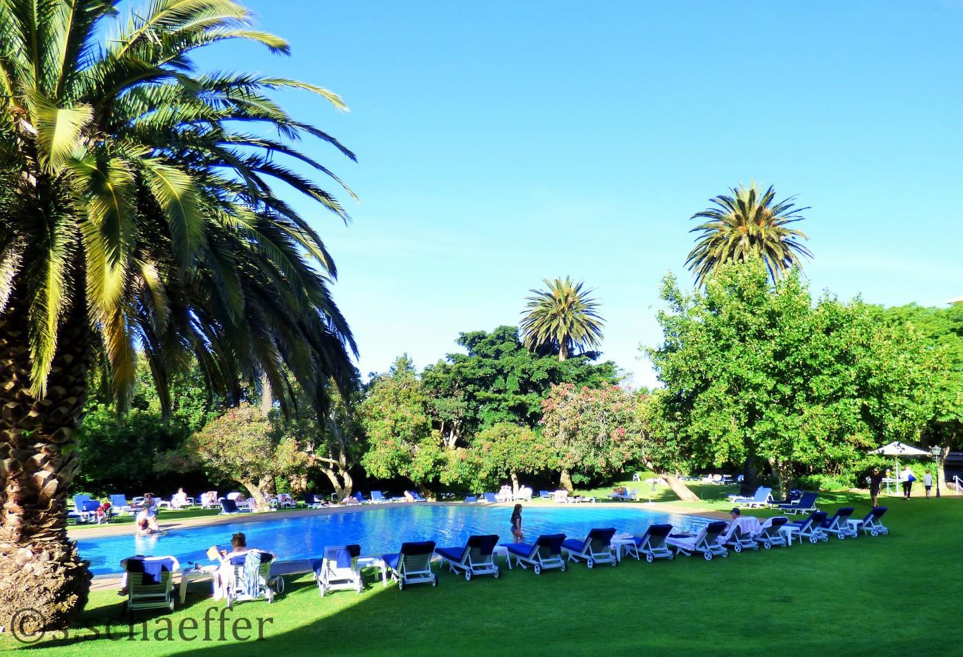 Pool im Garten des Belmond Mount Nelson