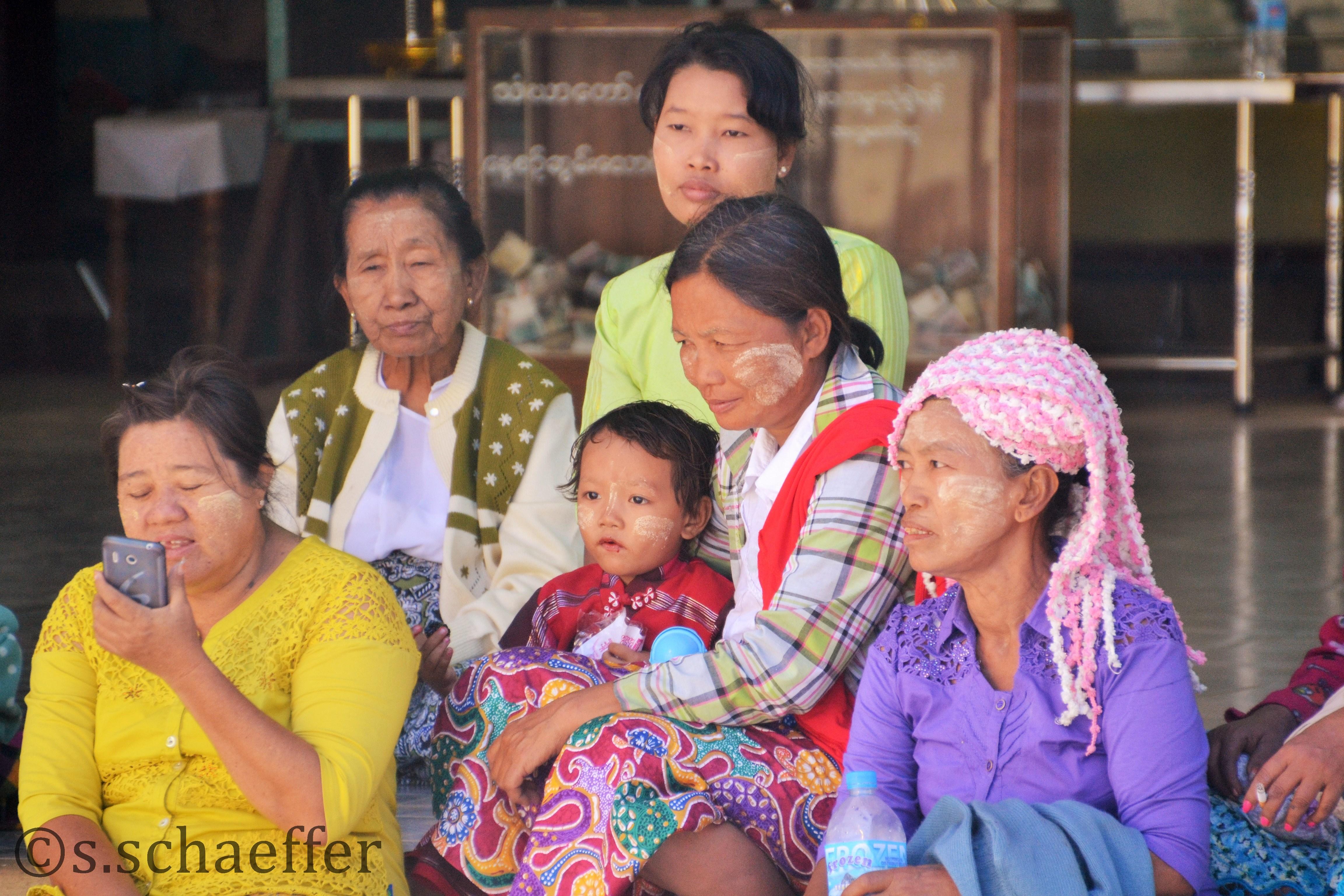 Bagan , Frauen