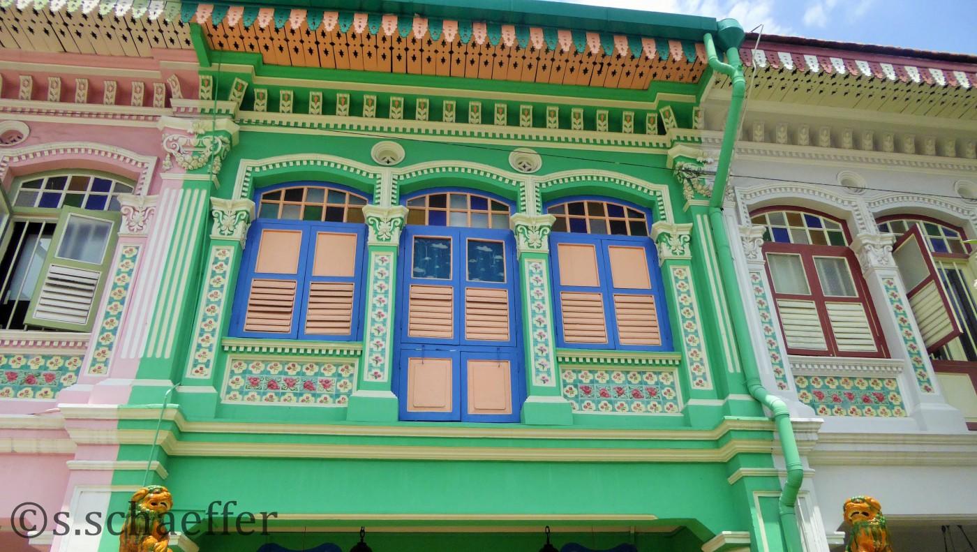In Singapur Viertel Katong sieht man noch echte Peranakan-Architektur.